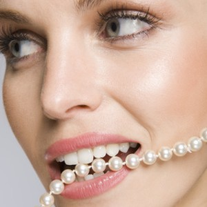 Model Pearls in mouth