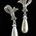 Magnifique Pearl Earrings